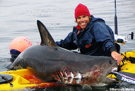 Extreme Kayak Shark Fishing