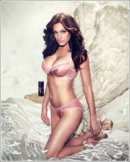 kelly brook lynx excite