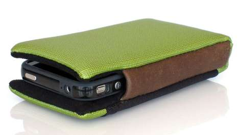 Waterfield Smart iPhone 4 Case