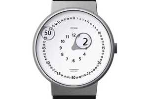 The Zoomin Watch Enlarges Numbers as Time Passes By