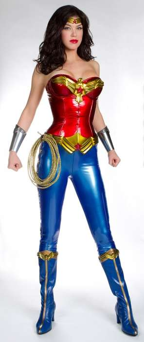 Adrianne Palicki in the new Wonder Woman Costume