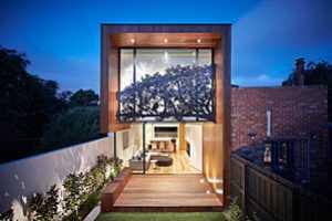 The Nature Screen on the Nicholson House Creates a Perennial Shade
