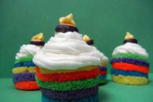 These Rainbow Cupcakes are Both Creative and Delicious