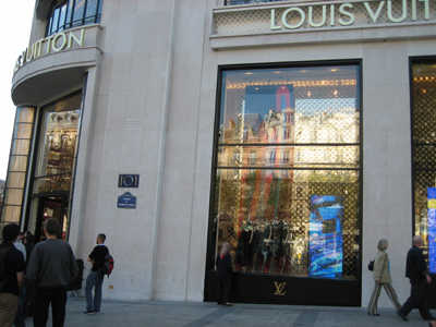 Louis Vuitton Hires Students