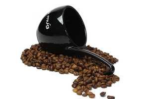 Ladle Your Liquids With DEDE's Slurp Mug