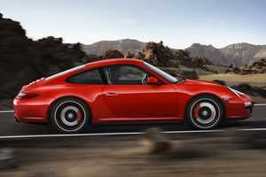 The New Porsche 911 Carrera 4 GTS is as Powerful as It is Beautiful