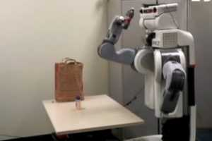 Stanford University's Incredible PR2 Robot is an Android Checkout Cle