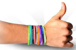 Wear Your Relationship Status on Your Wrist With Buump Band Bracelets