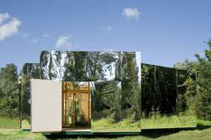 'Pavilion for an Artist' Blends into the Natural Environment
