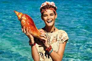 The Elle Italia June 2011 Issue Highlights the Signs of Summer