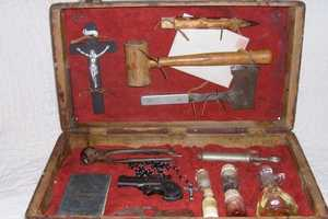 The 1800's Vampire Hunting Kit Shows Blood-Suckers Who's Boss