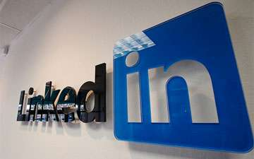 Social Media Resumes - Apply for Jobs Using Your Profile With the LinkedIn Job Application Button