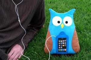 The Swoop iPhone Pillow Holds Your Tunes in Its Tummy