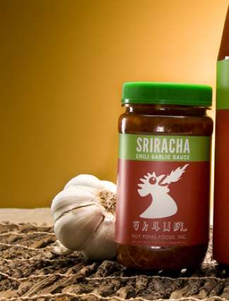 Sriracha Hot Sauce Packaging