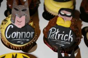 A Cupcake Wonderland 'Superhero Cupcakes' Pack a Powerful Bite