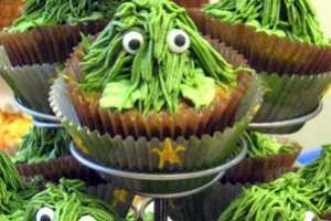 These 'Camo Cupcakes' by Kristie Sarmiento Look Like Oscar the Grouch