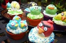 Avian Gamer Goodies - Angry Birds Cupcakes by Dotatdabbled are an Ode to the Addicting Game