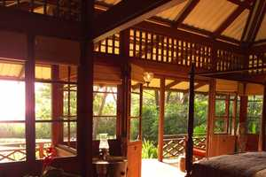Latitude 10 Resort Gives Back to Costa Rica