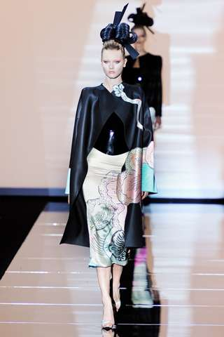 Geisha-Inspired Fashions - Armani Privé Couture 2011 Collection Inspired by Japanese Culture