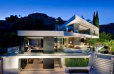 Horizontal Cali Houses