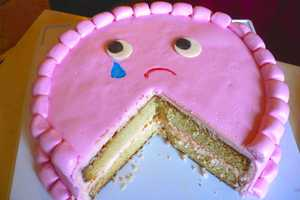 Clockwork Lemon Bakes a Deliciously Depressed Cake