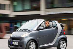 The Smart ForTwo Pearl Gray Limited Edition Is Speedy & Sleek