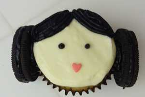These Princess Leia Cupcakes by Justjenndesigns are Nebular Noms