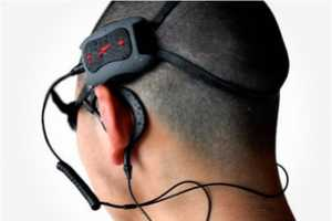Enjoy Music Underwater with the Speedo LZR Racer Aquabeat MP3 Player