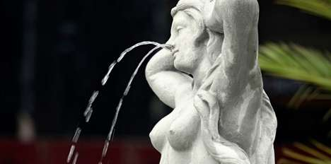 Naldecon Drippy Nose Statue