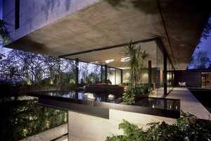 House 'La Punta' is an L-Shaped Vacation Destination