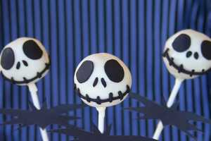 The Jack Skellington Cake Pops are a Halloween Treat to Die For