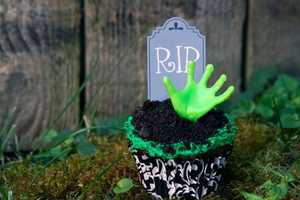 These Zombie Cupcakes Look Too Good to Eat
