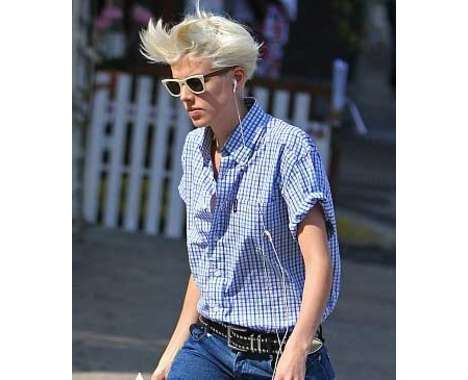 Agyness Deyn Features