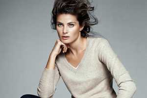 The Isabeli Fontana Mango Simplicity Campaign is Chic