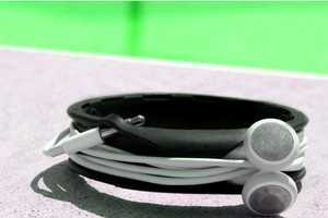 The Budwrap Wristband Lets You Wear Your Wires
