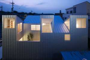 The Complex House by Tomohiro Hata Appears to Have No Rear
