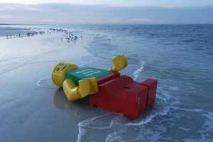 The Giant LEGO Man Ego Leonard is a Shoreside Stumper