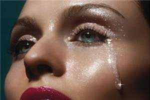 Sophie Ellis Bextor Offers Free Track After Canceling Tour