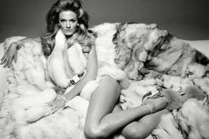 The Constance Jablonski Vogue Italia Issue Gets the Seductive Purr Flowing