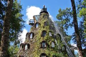 Magic Mountain Lodge Gives You a Thrill Without the Danger