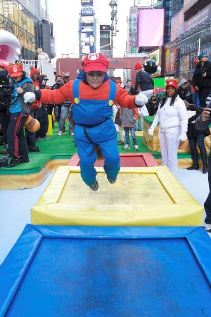 Public Gamer Playlands - Super Mario 3D Land Gets Recreated in New York's Times Square