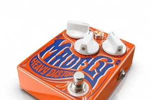 DrNo Effects Creates Vintage Pedals with a Vibrant Retro Look
