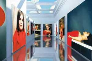 Valentino Garavani Virtual Musuem is Dedicated to the Designer's Career