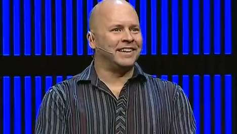 Derek Sivers Offers Helpful Tips In His Leadership Movement Keynote