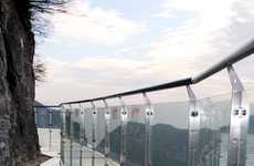 Translucent Tourist Attractions - The Skywalk on Tianmen Mountain Requires Extra Underwear