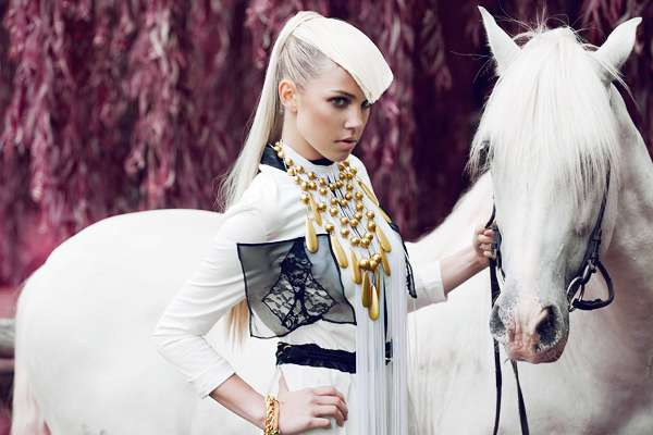 Sultry Horsewoman Pictorials 7