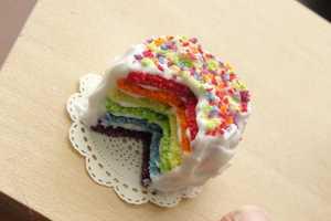 Fairchildart Creates Miniature Dishes for Decoration