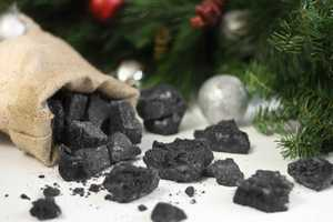 Christmas Coal Candy on the Sprinkle Bakes Blog Makes for a 'Nice' Gift