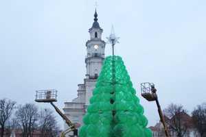 The Christmas Tree by Jolanta Šmidtienė is Made of Plastic