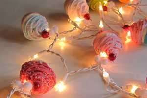 Cupcake Lovers String of Lights Casts a Sugary-Sweet Glow